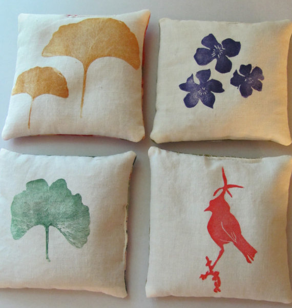 fabric-hand-printed-lavender-sachets